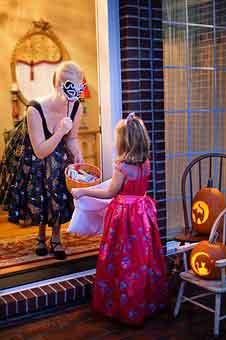 halloween-1773447__340.jpg